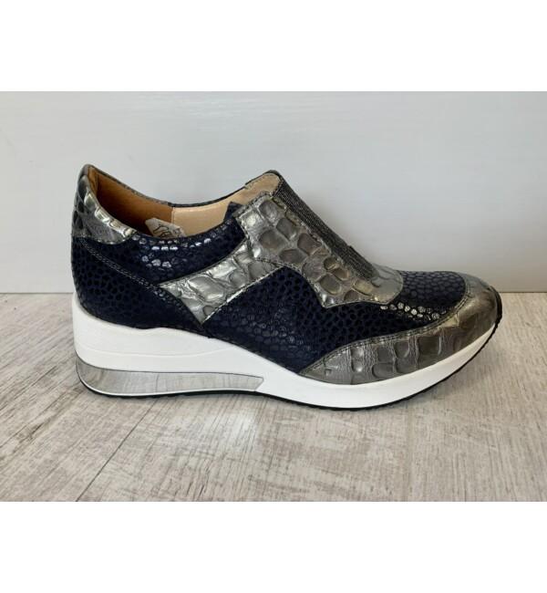 Carla Ricci kígyómintás belebújós cipő